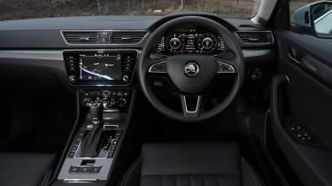 Skoda Superb iV Estate - dash