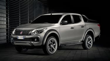 Fiat Fullback Cross - front static dark