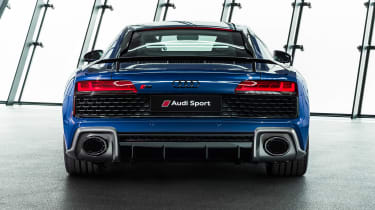 Audi R8 - studio full rear