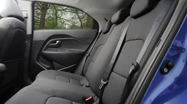 Kia Rio 2 1.25 rear seats