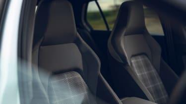 Volkswagen Golf GTD - seats