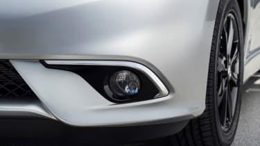 Nissan Note Black Edition - fog lights
