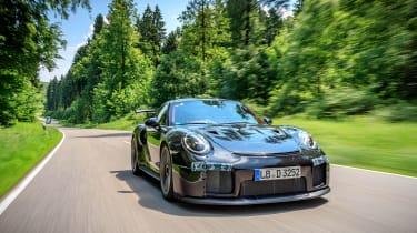 Porsche GT2 RS prototype - front panning