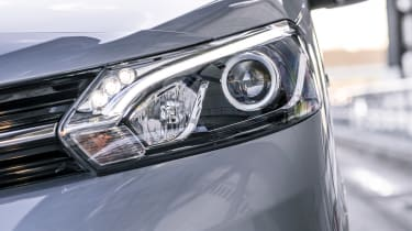 Toyota Proace electric - headlight