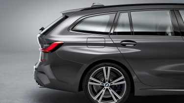 BMW 3 Series Touring - studio rear wheel
