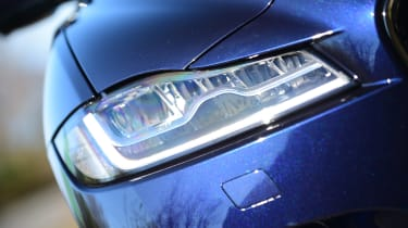 Jaguar F-Pace 3.0d 2016 - headlight