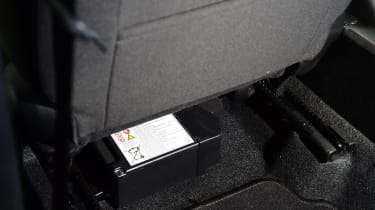 Suzuki Ignis - legroom