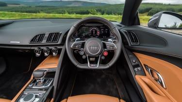 Audi R8 Spyder V10 plus - interior