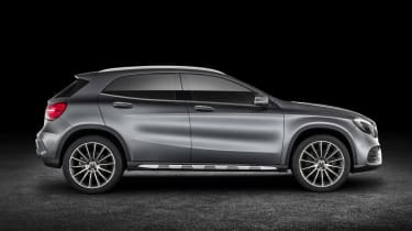 Mercedes GLA 2017 - silver side
