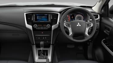 Mitsubishi L200 - cabin