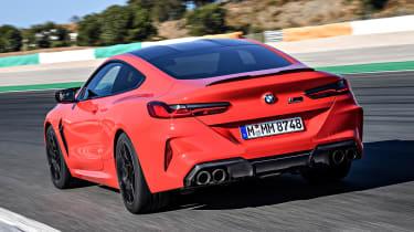 BMW M8 - rear tracking