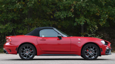 abarth 124 spider profile roof up