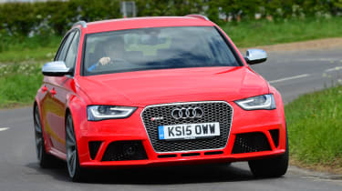 Audi RS4 - front cornering