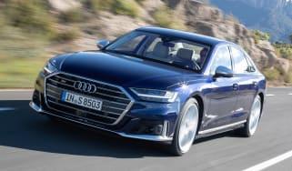 Audi S8 - front action