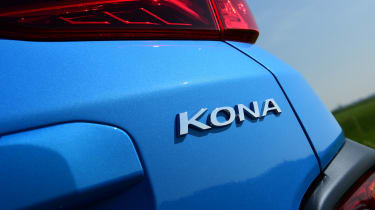 Hyundai Kona Hybrid - badge