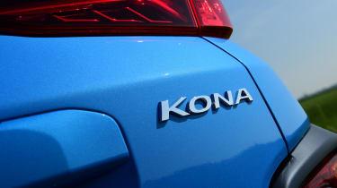 Hyundai Kona Hybrid - badge