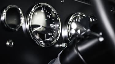 Bollinger - dials