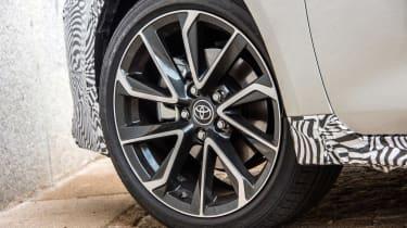 Toyota Corolla Touring Sports prototype - wheel