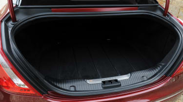Jaguar XJ 3.0 V6 Supercharged boot