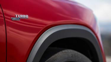 Mercedes-AMG GLB 35 - side detail