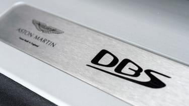 Aston Martin DBS Superleggera - plaque