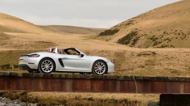New Porsche 718 Boxster 2016 - rear quarter