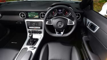 Mercedes SLC 180 - cabin