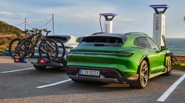 Porsche Taycan Cross Turismo - charging