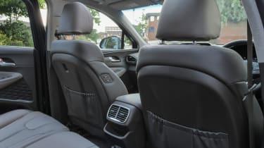 Hyundai Santa Fe - front seats
