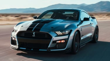 Ford Mustang Shelby GT500 - front action