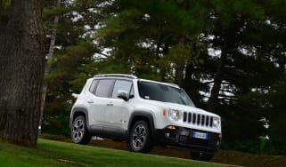 Jeep Renegade front static