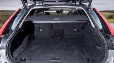 Volvo V90 D5 Momentum - boot 2