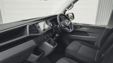 Volkswagen Transporter 6.1 - interior
