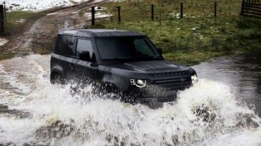Land Rover Defender 90 V8 - water
