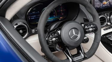 Mercedes-AMG GT R Roadster - dash