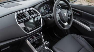 Suzuki SX4 S-Cross - interior