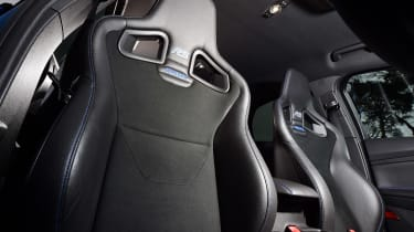 Ford Focus RS Mountune - front seats
