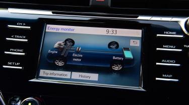 Toyota Camry - infotainment