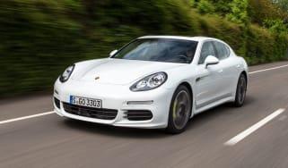 Porsche Panamera Hybird front tracking