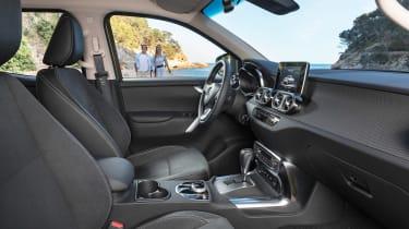 Mercedes X-Class - front seats
