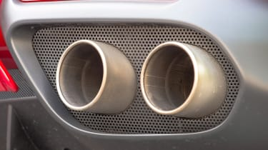 Ferrari 812 Superfast - exhaust