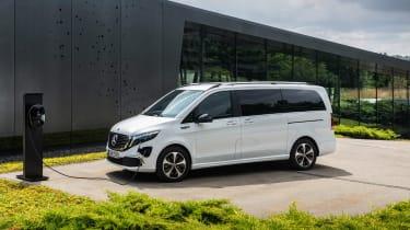 Mercedes EQV - charging