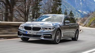 BMW 530d Touring - front panning