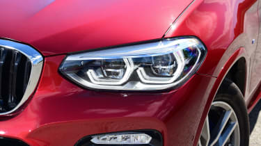 BMW X4 - headlight