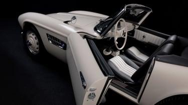 Elvis Presley BMW 507 - door open