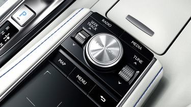 Lexus LC Convertible - infotainment controls