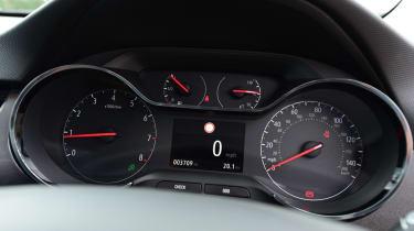 Vauxhall Crossland X - dash