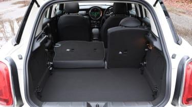 mini cooper classic 5-door boot