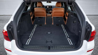 BMW 5 Series Touring - boot seats down