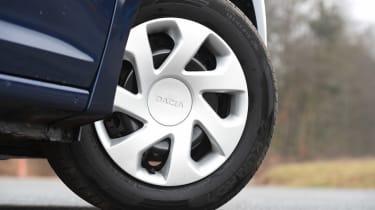 Dacia Sandero facelift - wheel detail